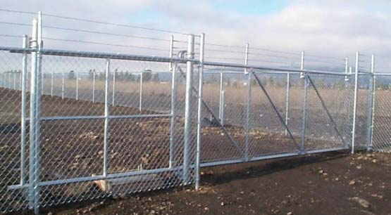 Barbed Wire Chain Link Security Fencing
